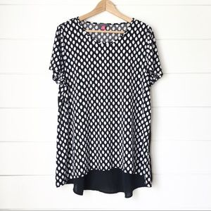 VINCE CAMUTO Mixed Media Top